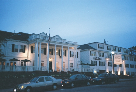 The Wellesley Inn, in all its former glory (Wellesley, MA)